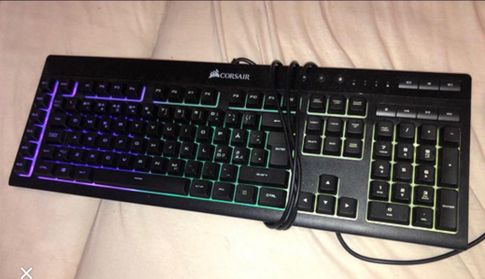 Corsair tastatur med lys | FINN.no