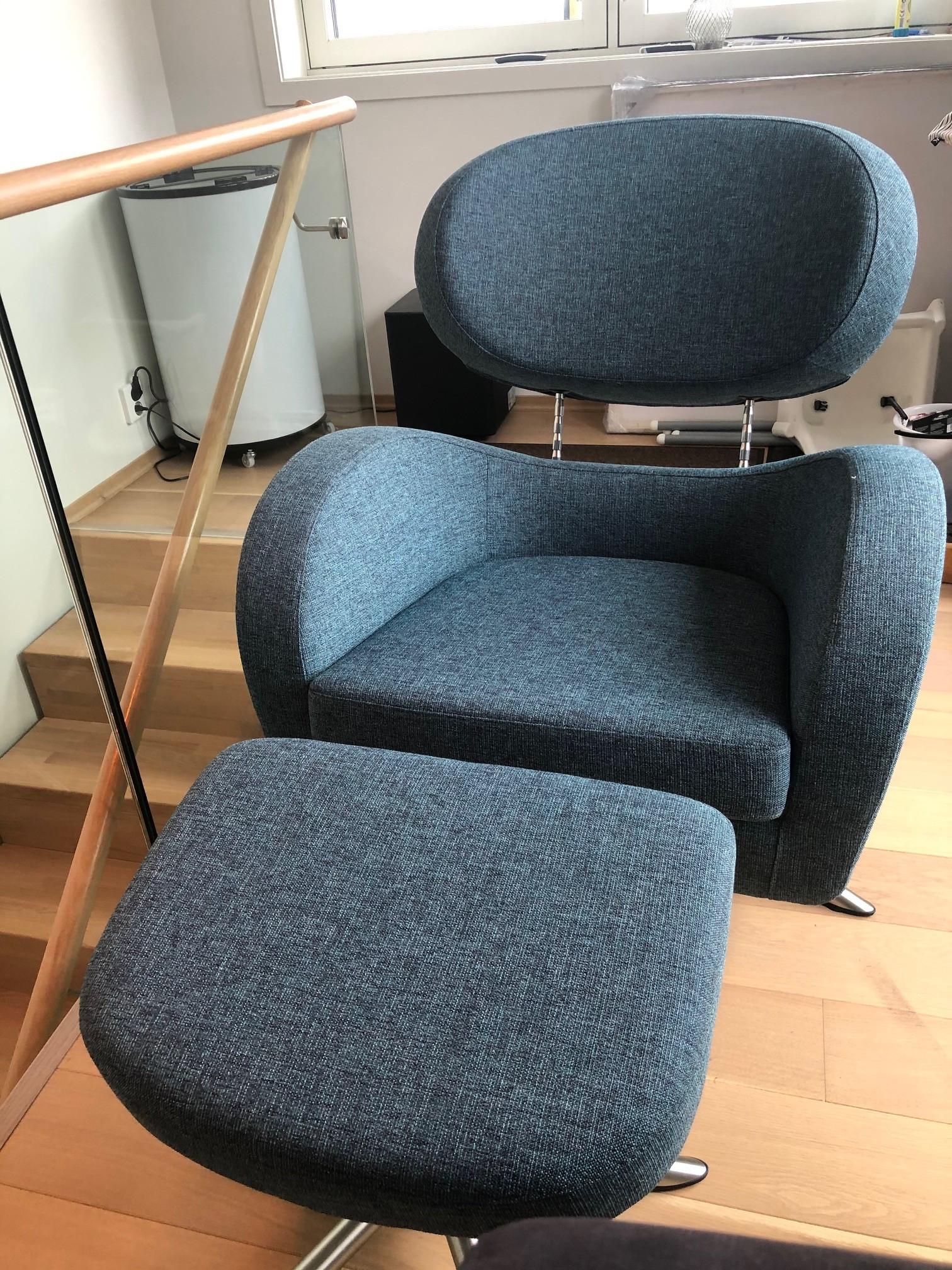 2 stk Brunstad Sting stol, med 2 stk Sting skammel   FINN.no