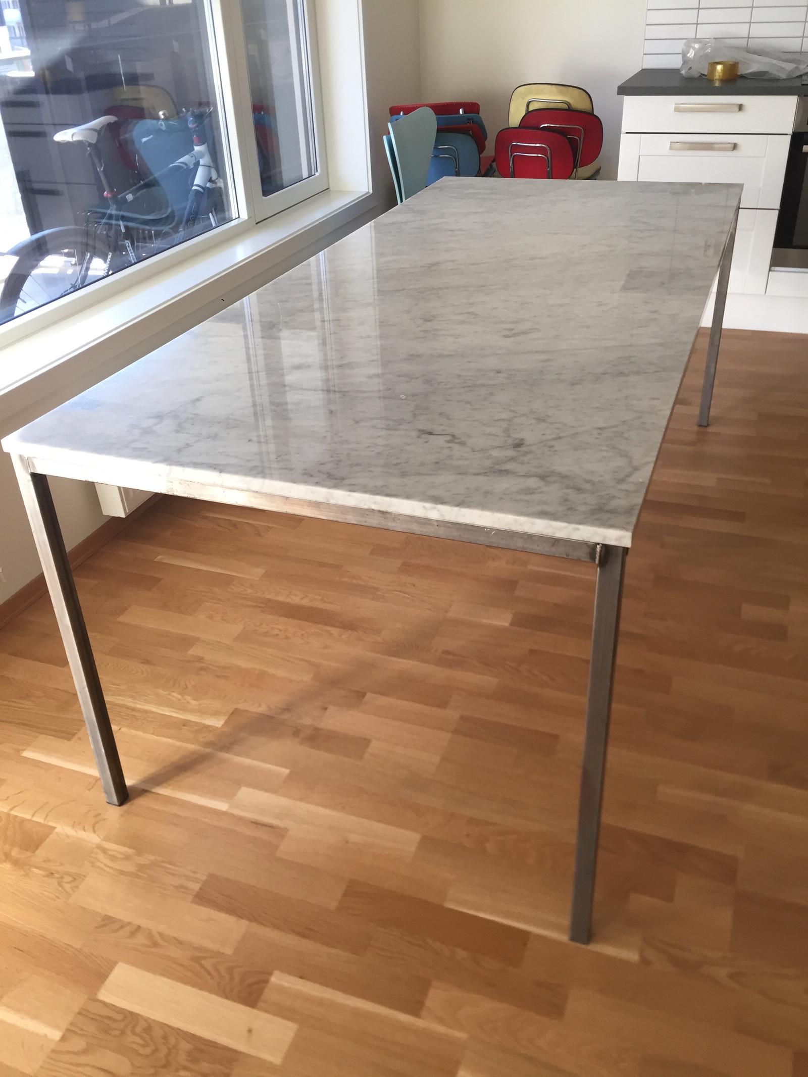 Picture of: Stilig Spisebord I Carrara Marmor Norsk Design Finn No