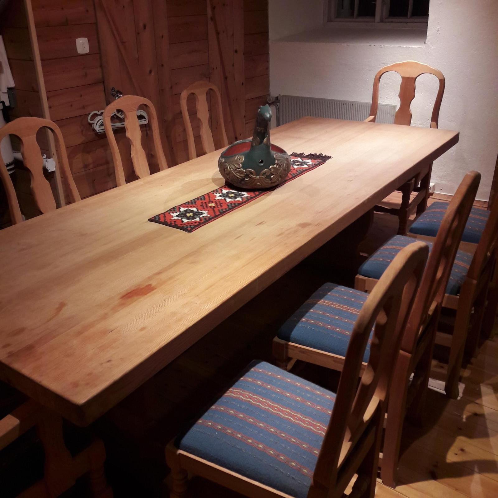 Krogenæs stoler og spisebord selges | FINN.no