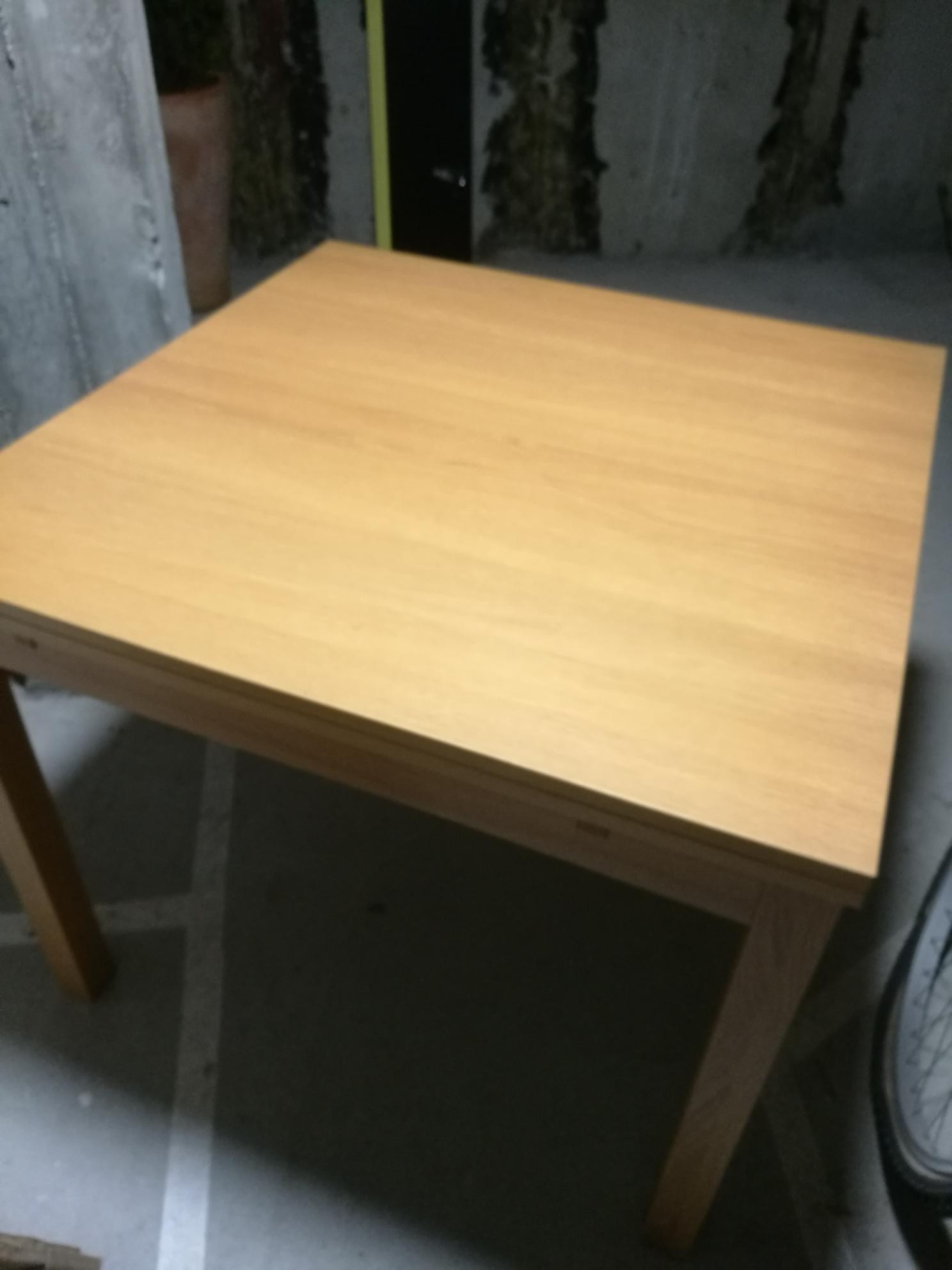 Bjursta uttrekkbart spisebord pent og praktisk! | FINN.no