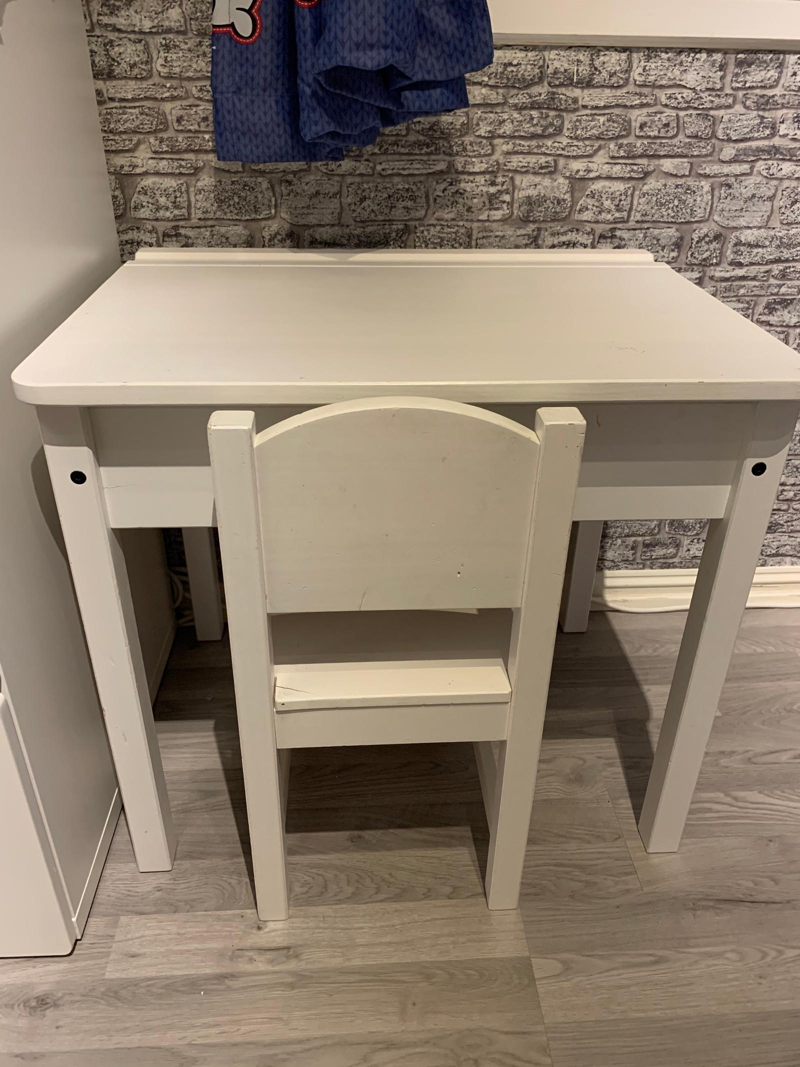 Sundvik skrivebord | FINN.no
