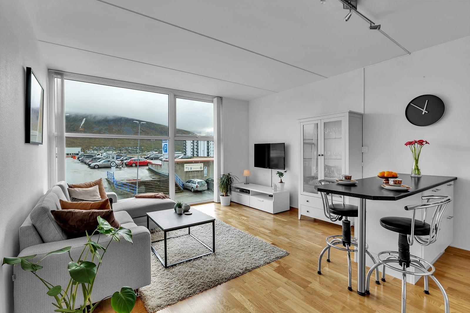 Hjem Eiendomsmegling AS v/ eiendomsmegler Robin I. Martinsen presenterer Stakkevollvegen 112 K!