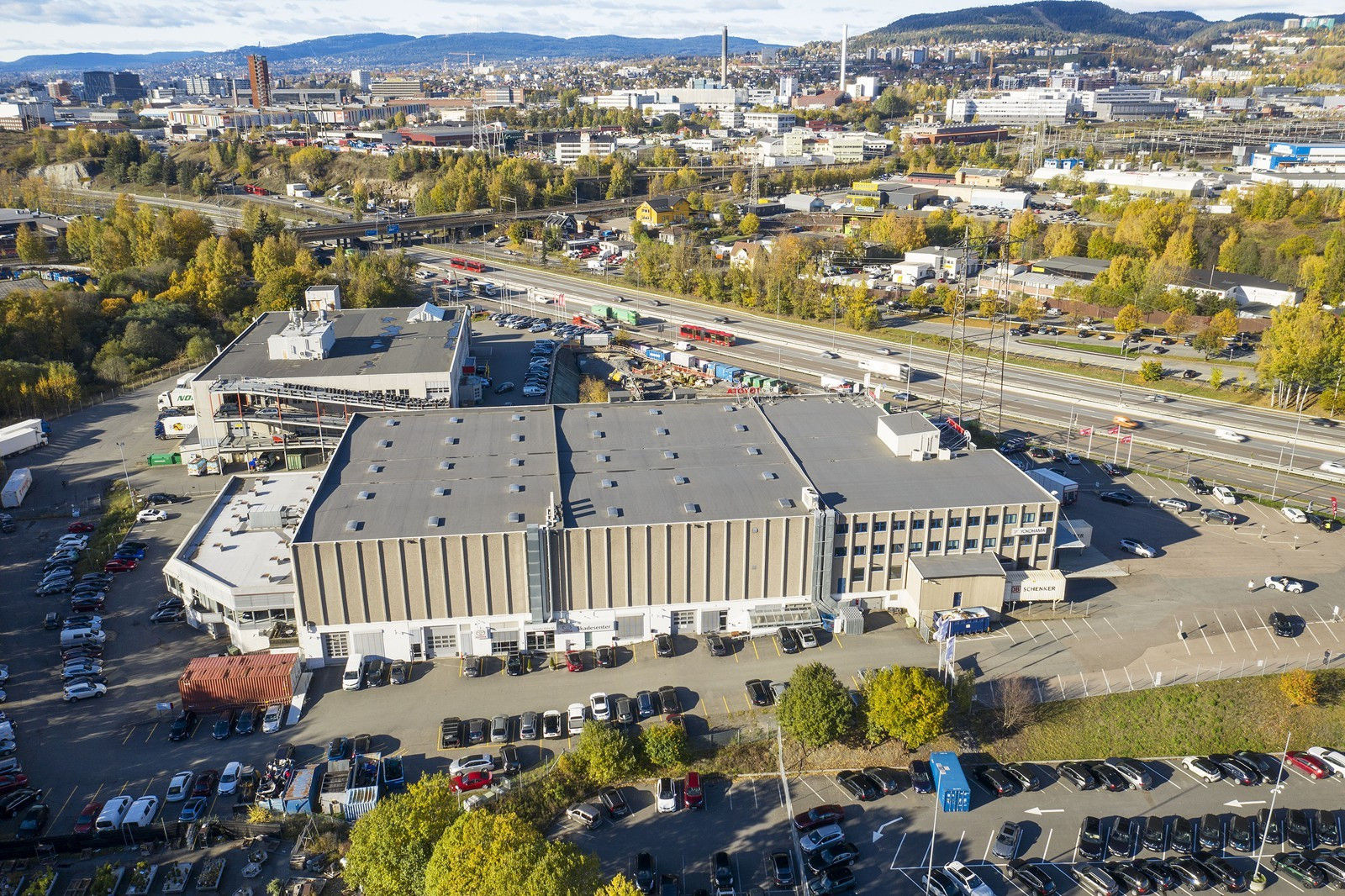 Oppmerkede parkeringsarealer med mulighet for parkering av større kjøretøy