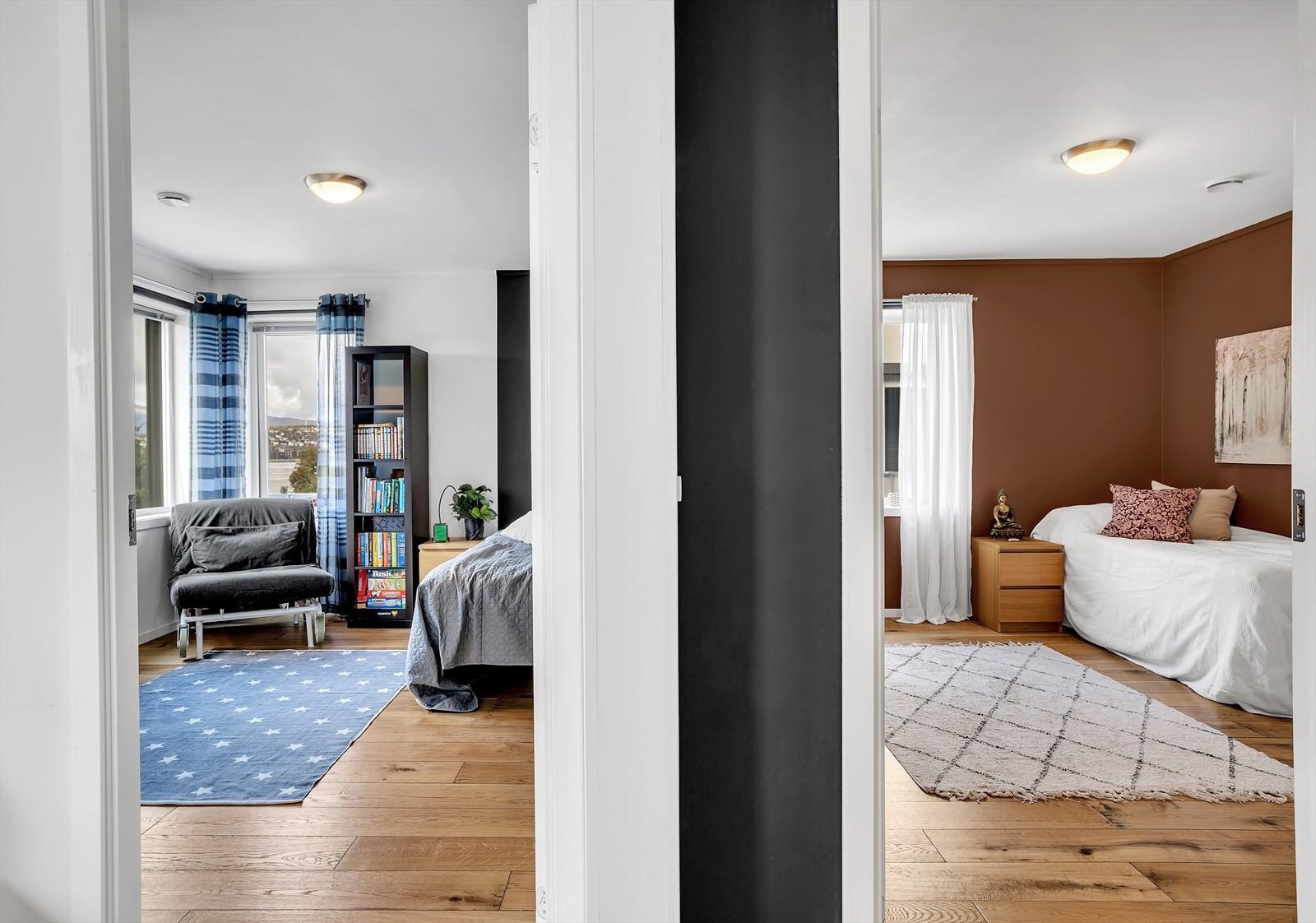 Soverom 2 og 3 i den midterste etasjen. Det er også betonghimling ned til utleiedelen.