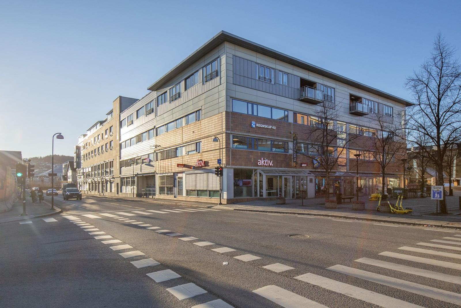 Lokalet er beliggende i byggets 2. etasje