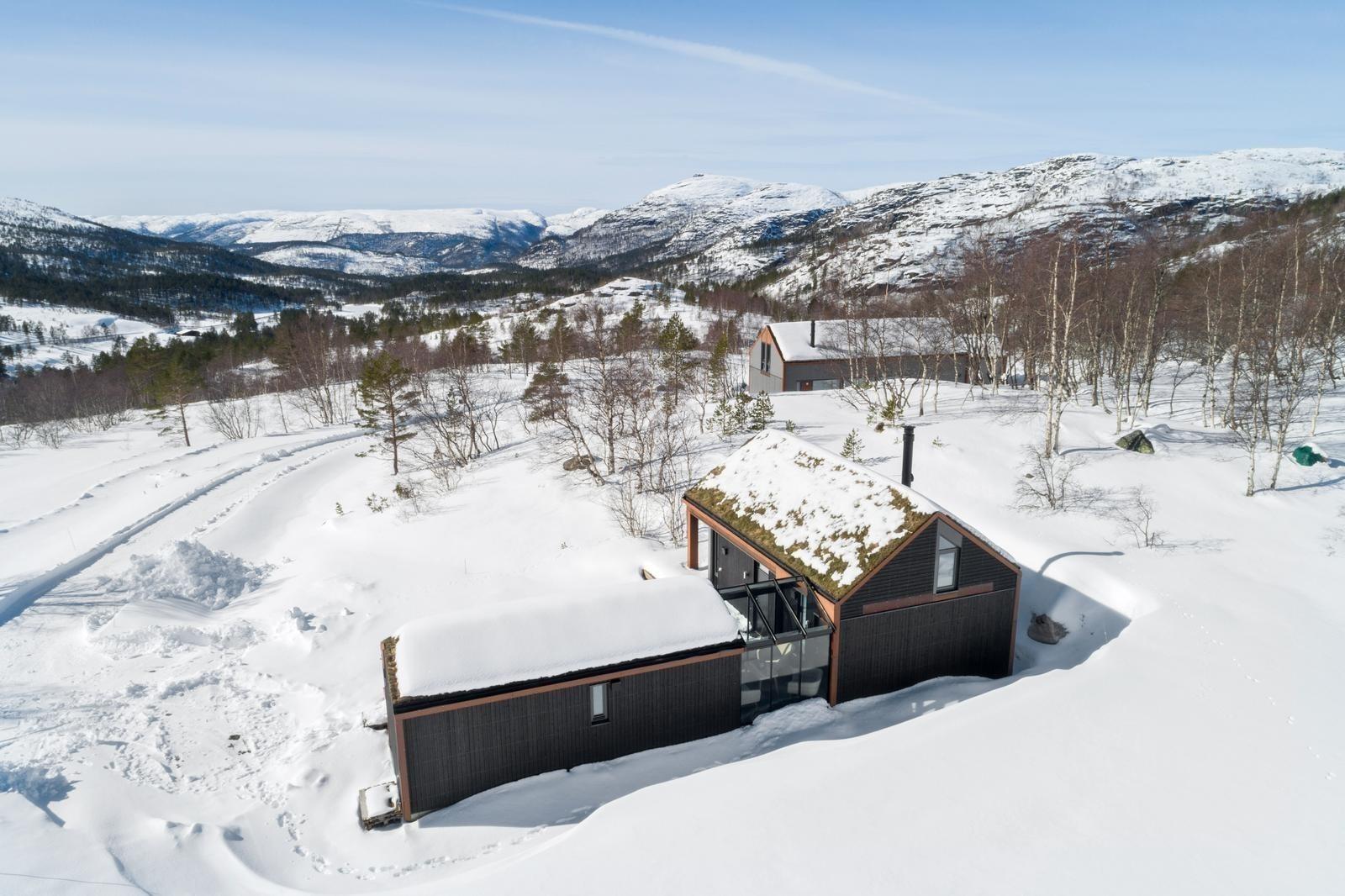 Hattevarden Knaben er et fantastisk hytteområde på høyfjellet        - Her oppføres både de tradisjonelle Buen hyttene, samt helt unike moderne arkitekt tegnede kompakte & smarte hytter. De moderne hyttene bygges kun på Hattevarden (ingen andre steder i v