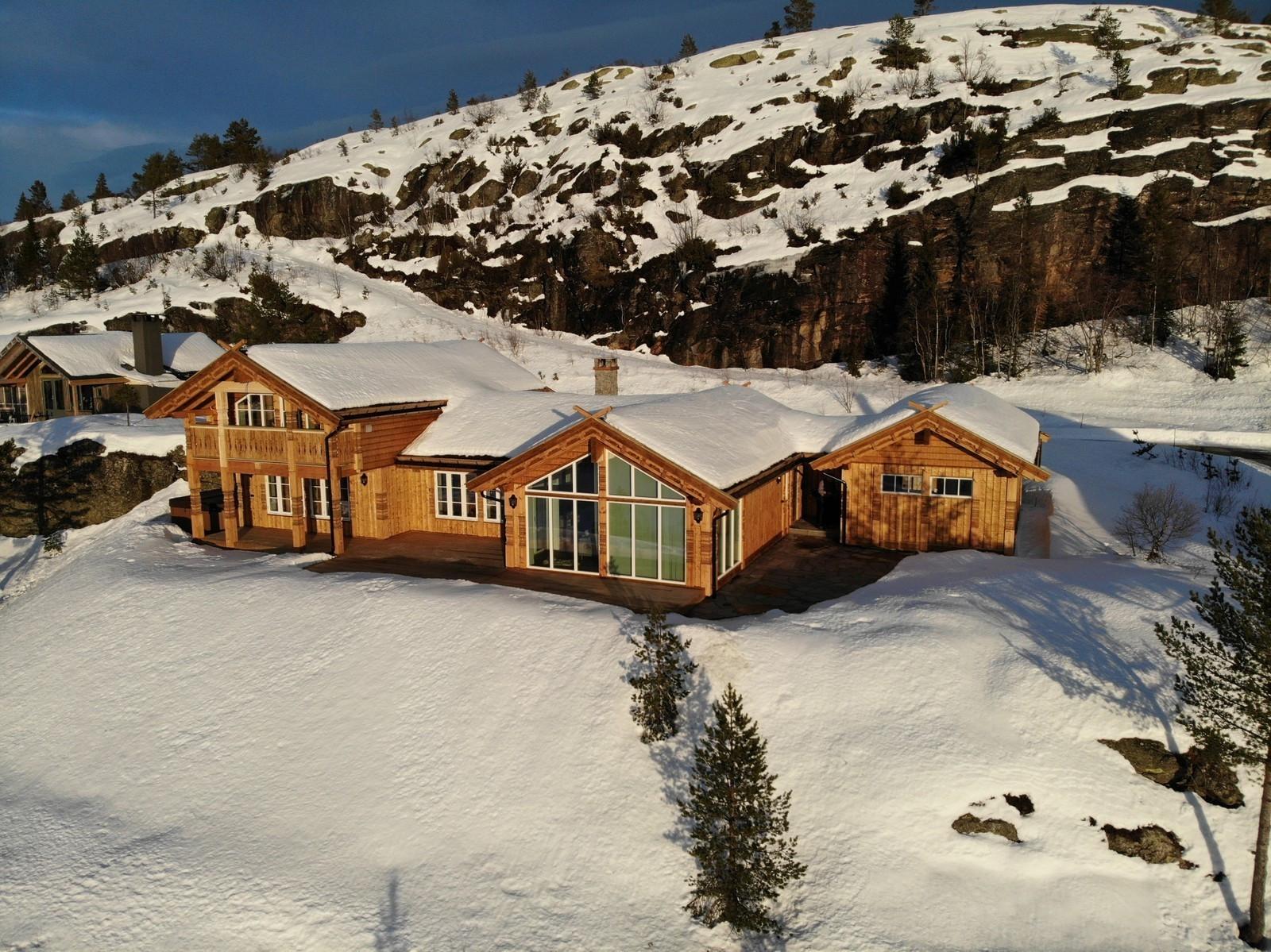 Bilde av en Kløvfjell hytte med garasje (stor bod) med kundetilpassede tilvalg - Pristillegg
