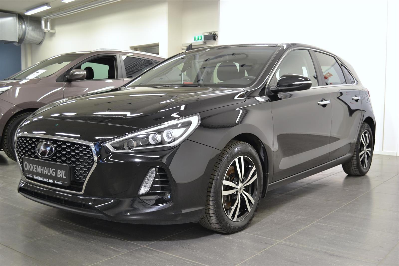 Hyundai i30 Slide 2