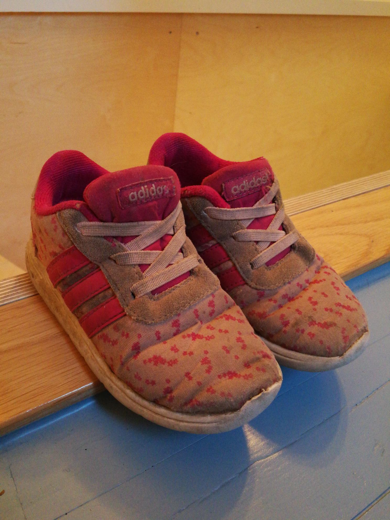 Kule adidas joggesko str 25 | FINN.no