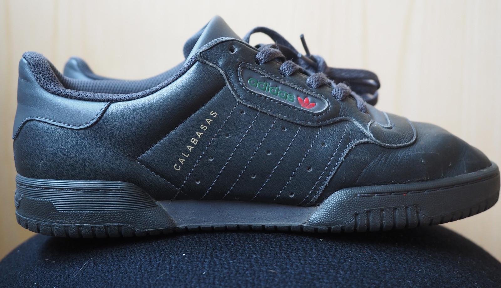 "Adidas Yeezy Powerphase Calabasas ""Core Black"" str. 42 | FINN.no"