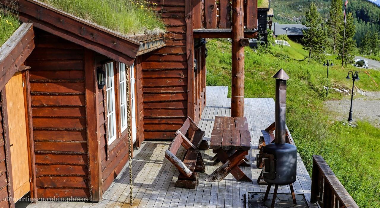Uteområde og terrasse.