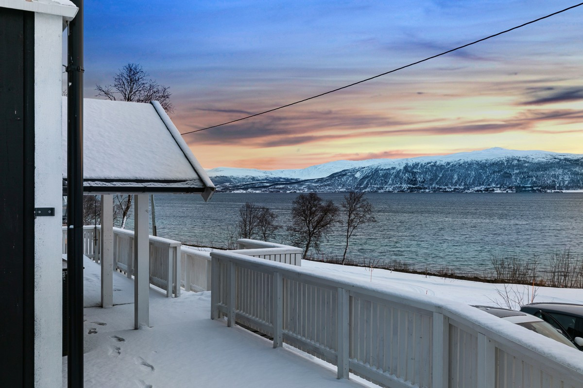 Stor veranda med fantastisk utsikt