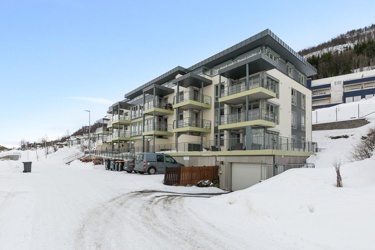 Flott beliggende leilighet i 1. etasje med nydelig utsikt!