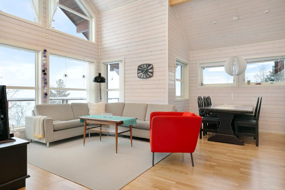 Romslig hytte med flott beliggenhet i Målselv Fjellandsby