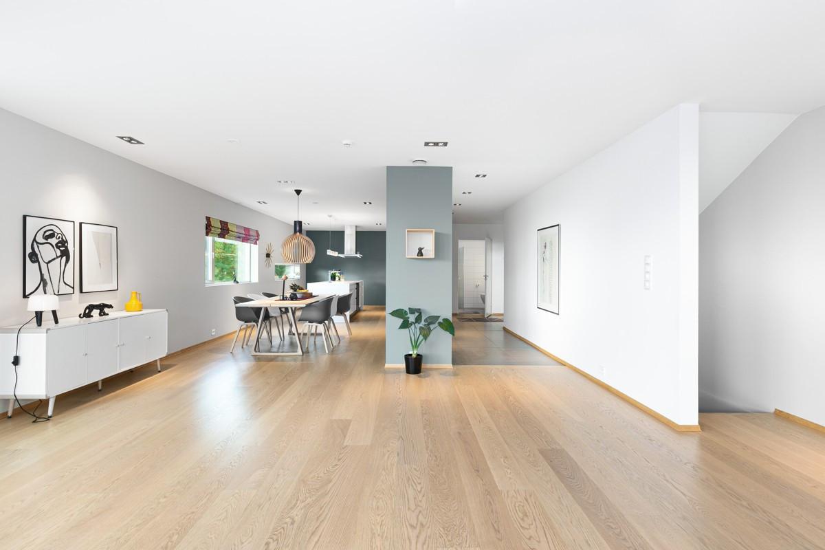 Utsikt fra stue mot kjøkken