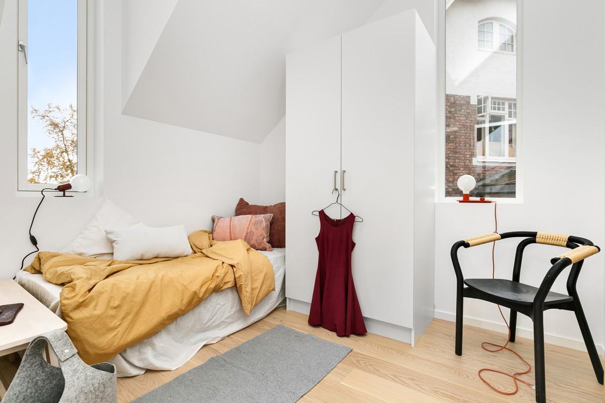 Disponibelt rom i forbindelse med stue i 3. etasje. Passer perfekt som kontor eller tredje soverom