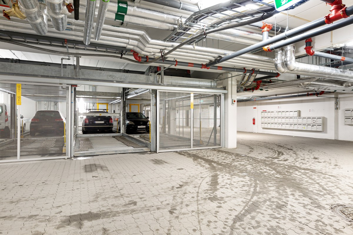 Fast parkering i garasjeanlegg, samt rikelig med gjesteparkering