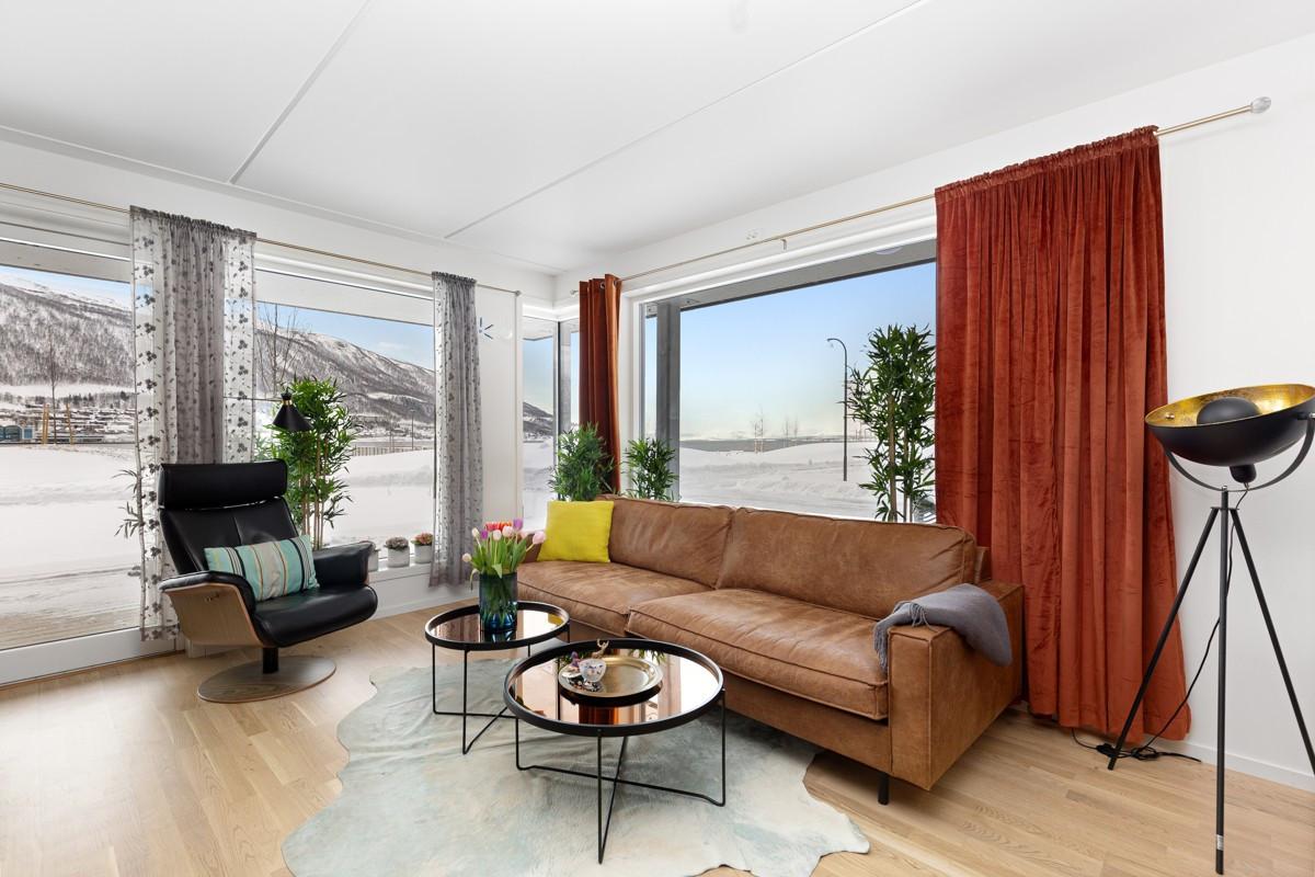 Moderne 3/4-roms hjørneleilighet helt i front med nydelig utsikt!