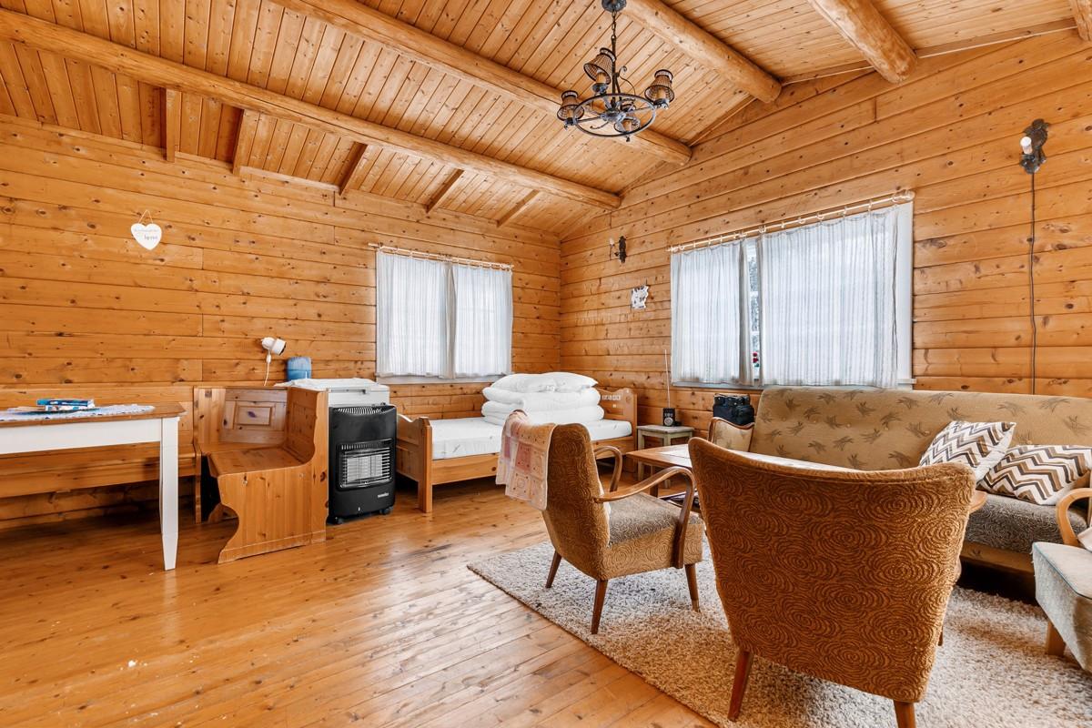 Fritidsbolig/anneks inneholder stue/kjøkken og soverom