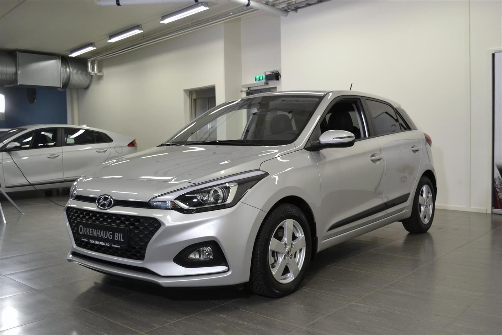 Hyundai i20 Slide 2