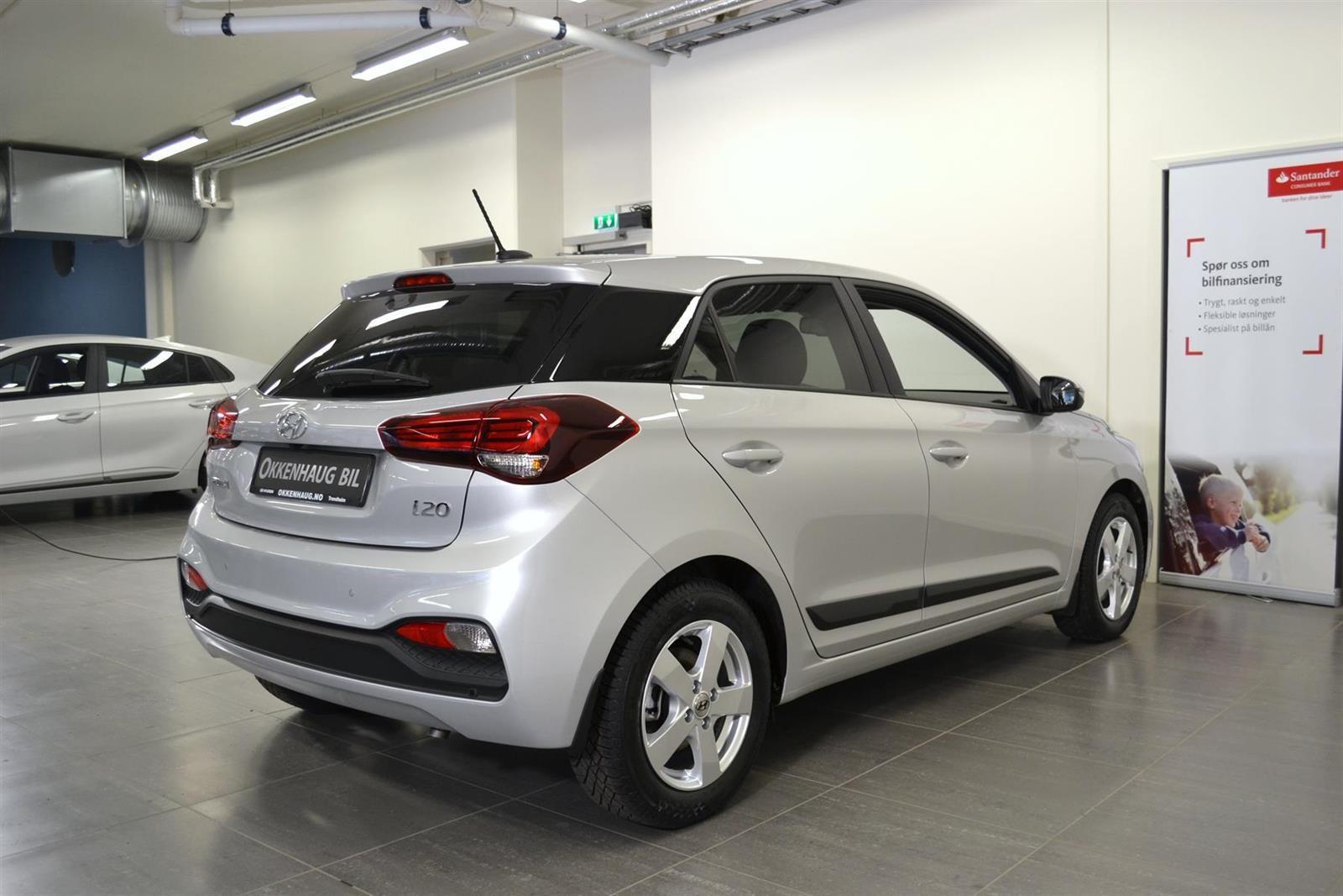 Hyundai i20 Slide 5