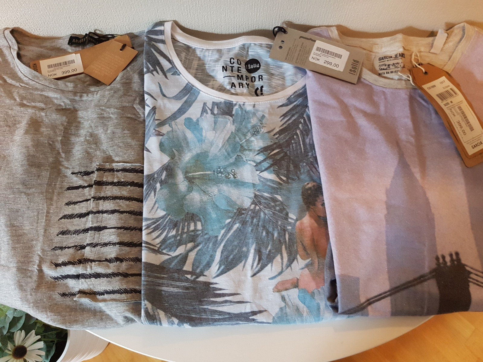 3 stk. T skjorter | FINN.no