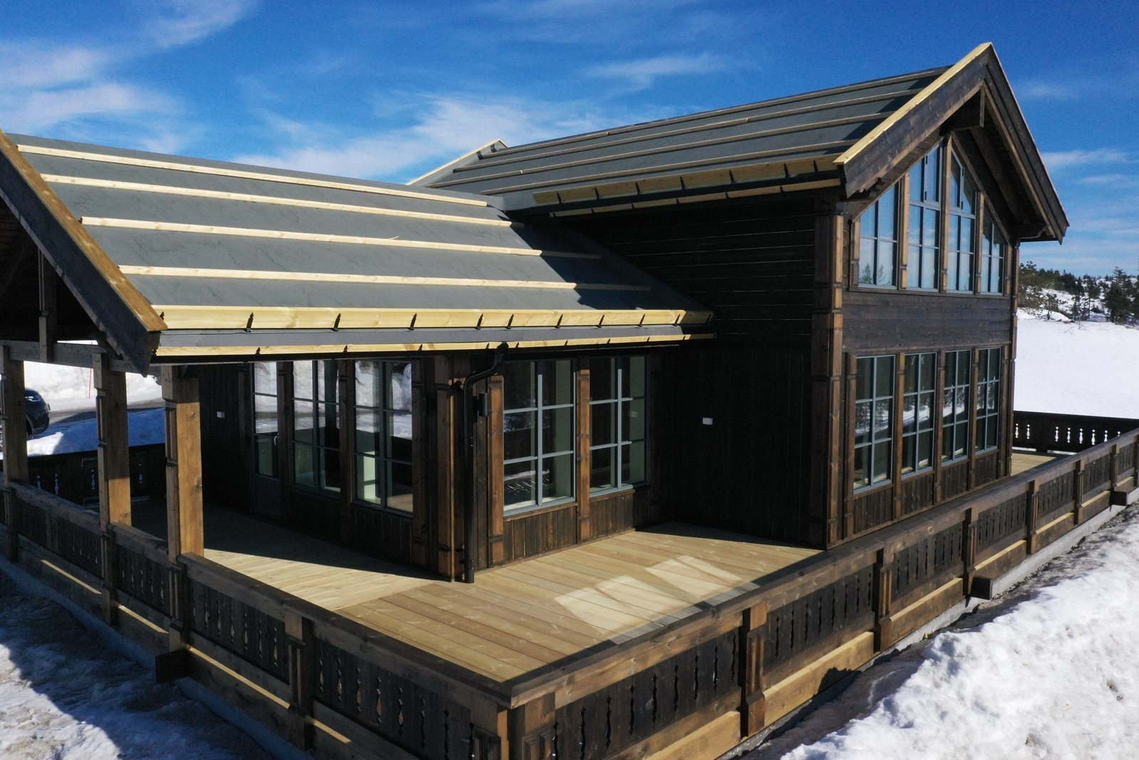 Tilsvarende hytte som er under bygging