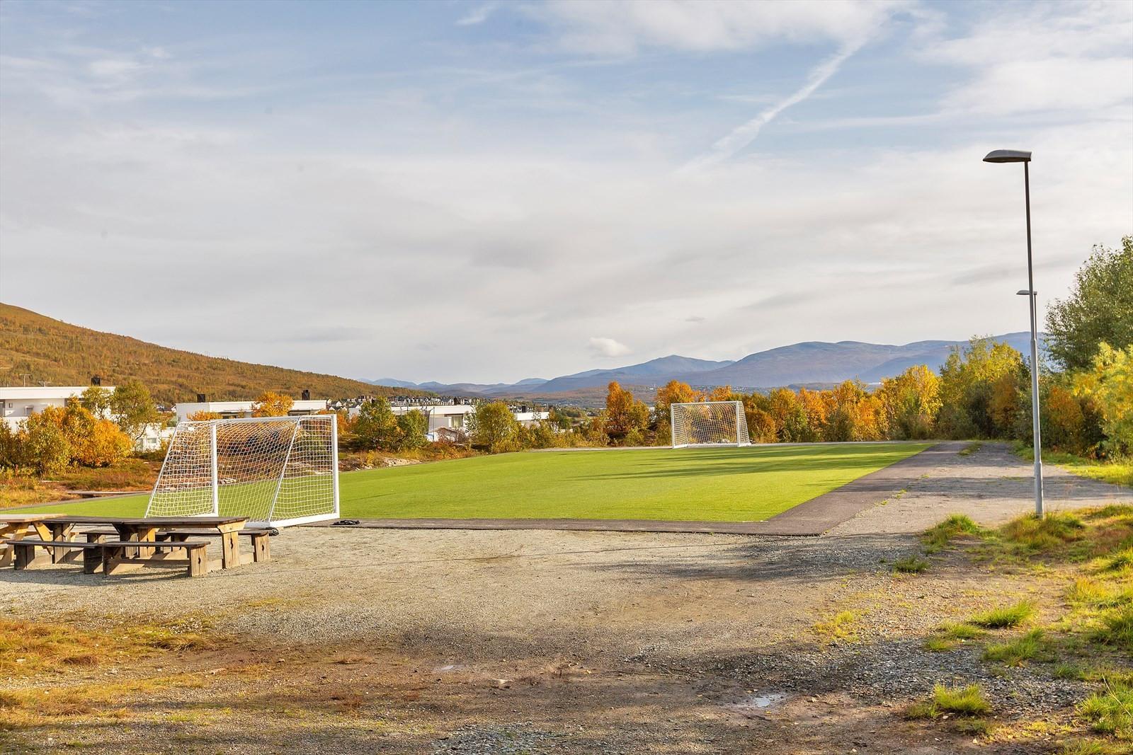 Fotball løkke like i nærheten.