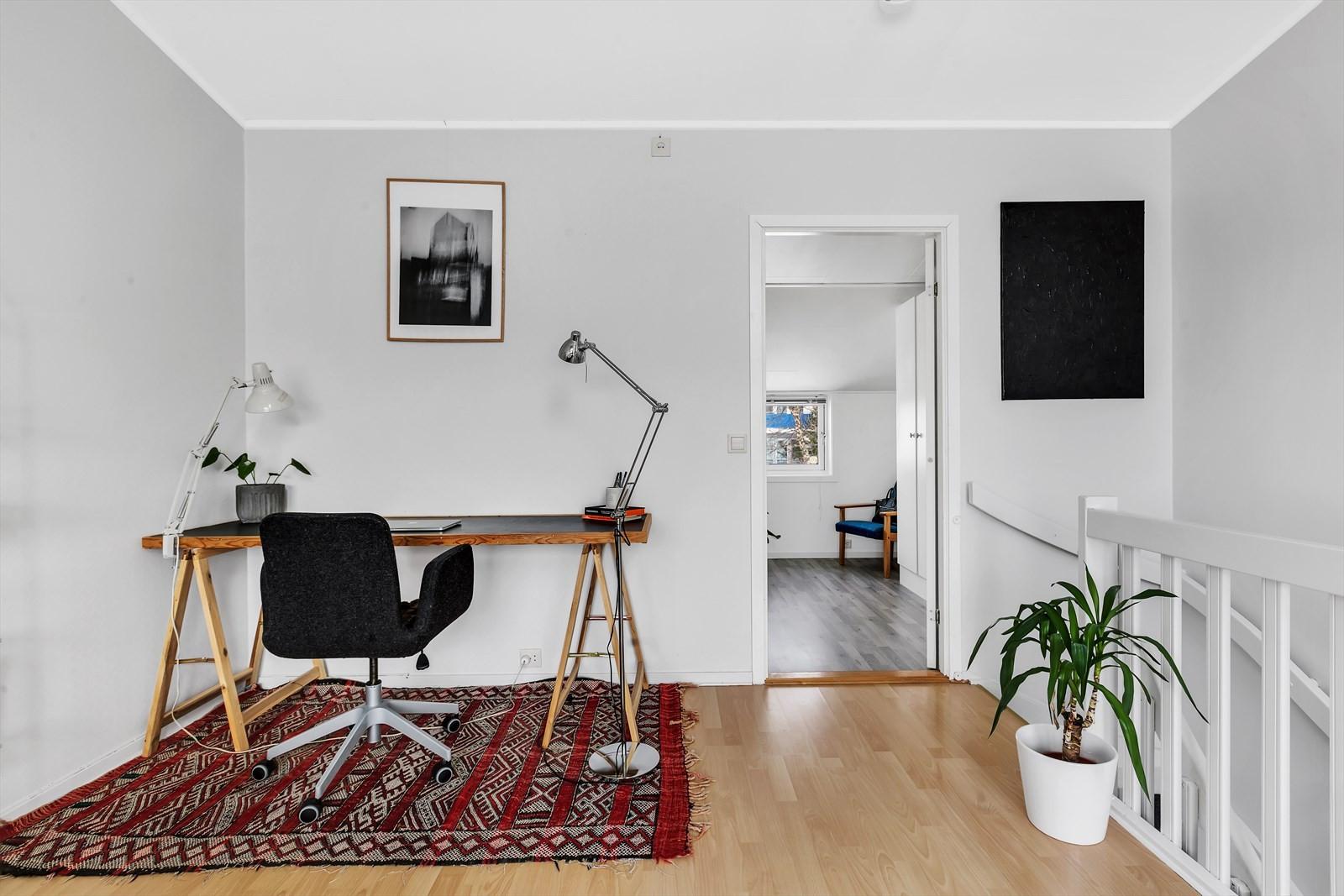 Her finner du også en praktisk plass til f.eks. kontor