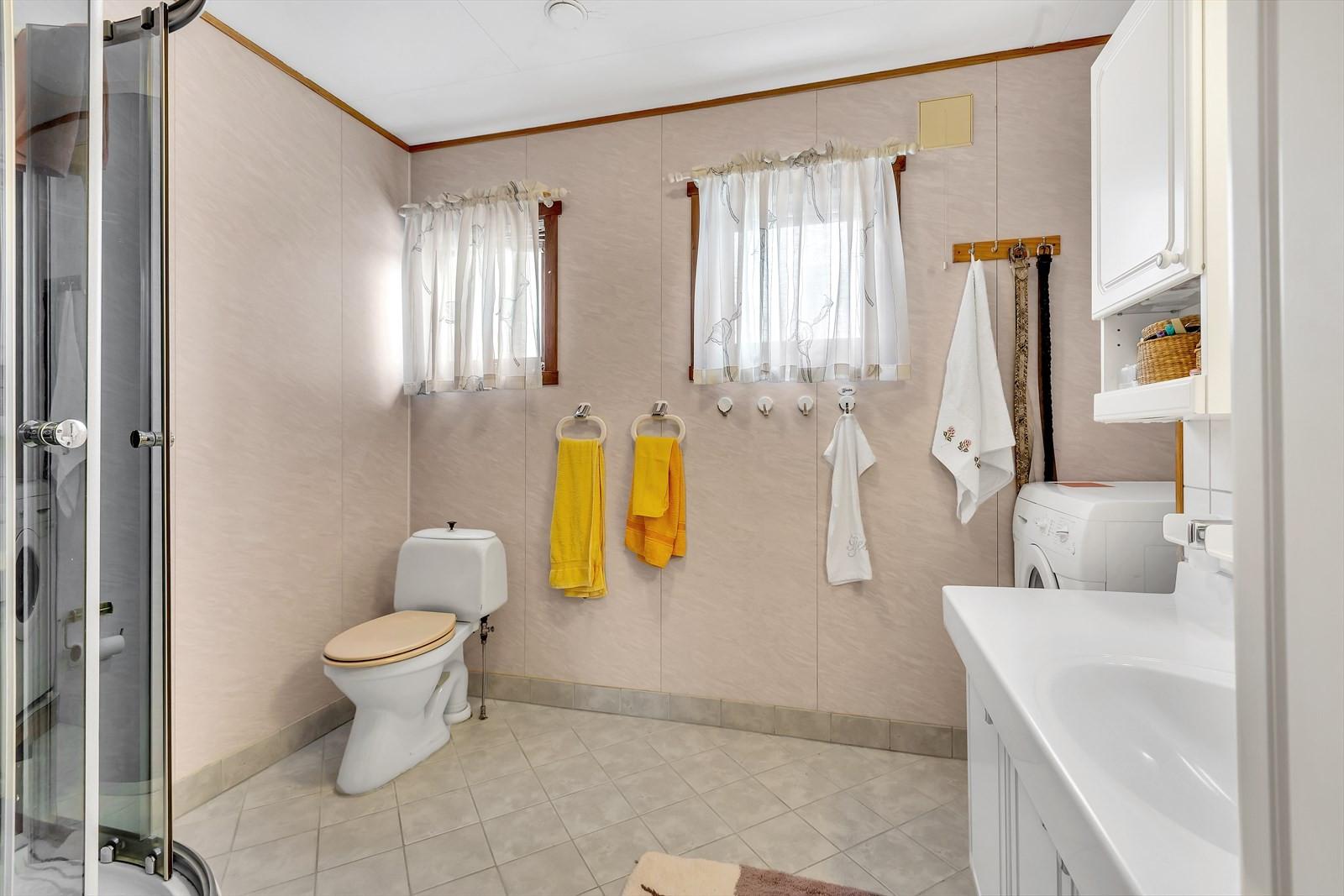 Bad med flislagt gulv
