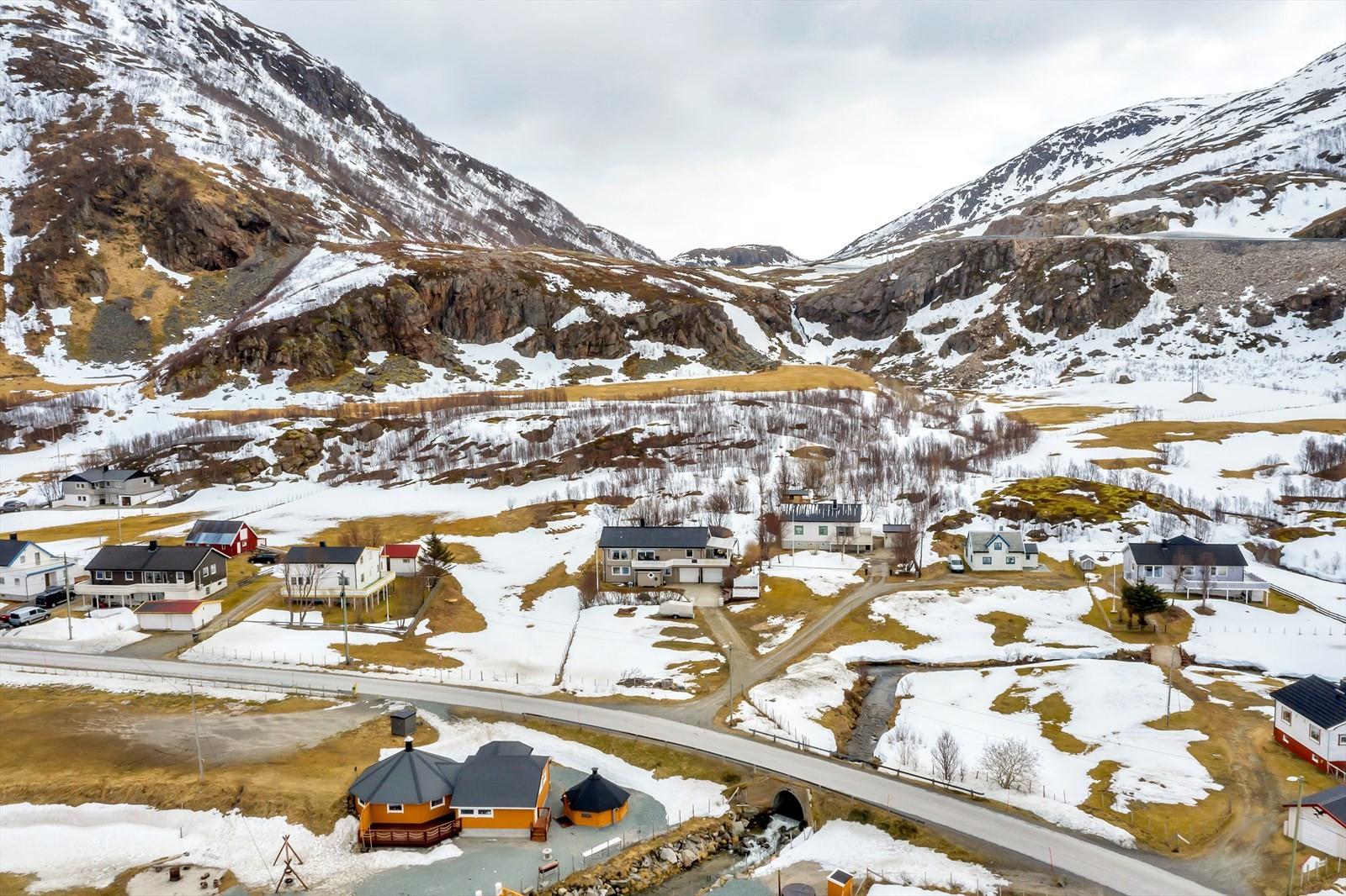 I grøtfjorden er man omkranset av flotte fjell