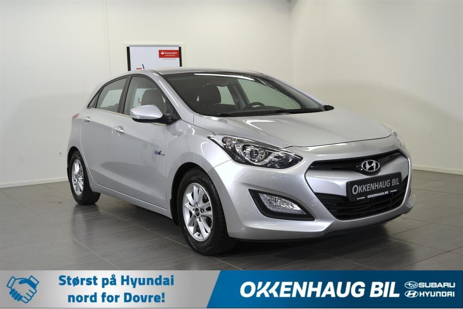 Hyundai i30 Slide 0