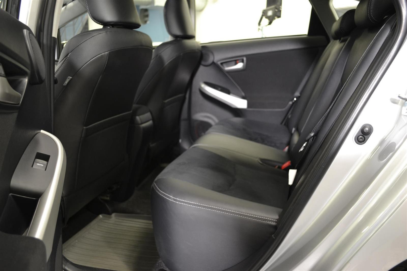 Toyota Prius Slide 8