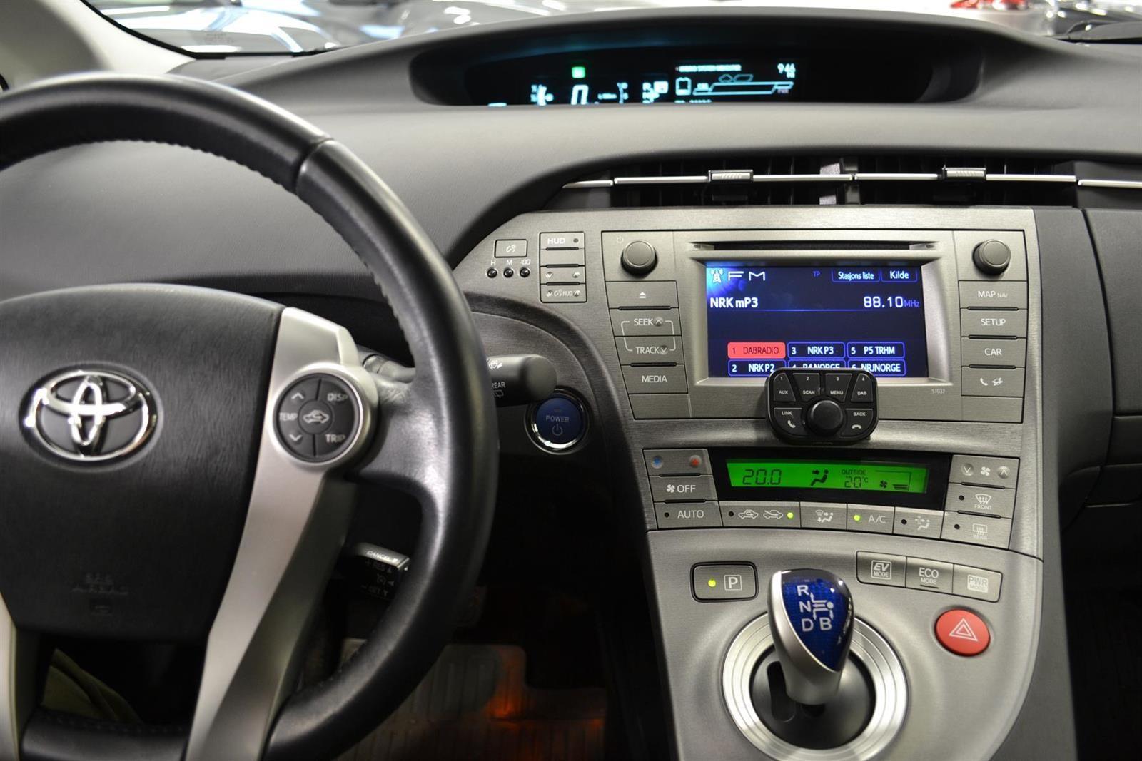 Toyota Prius Slide 12