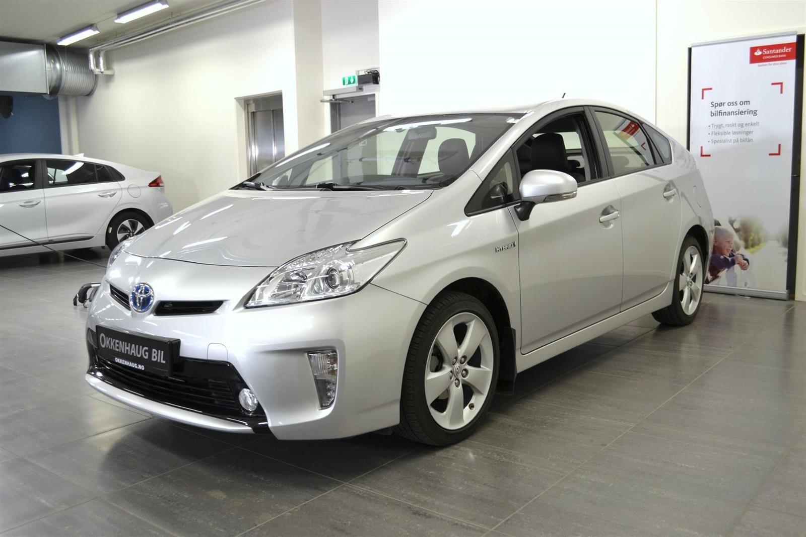 Toyota Prius Slide 2