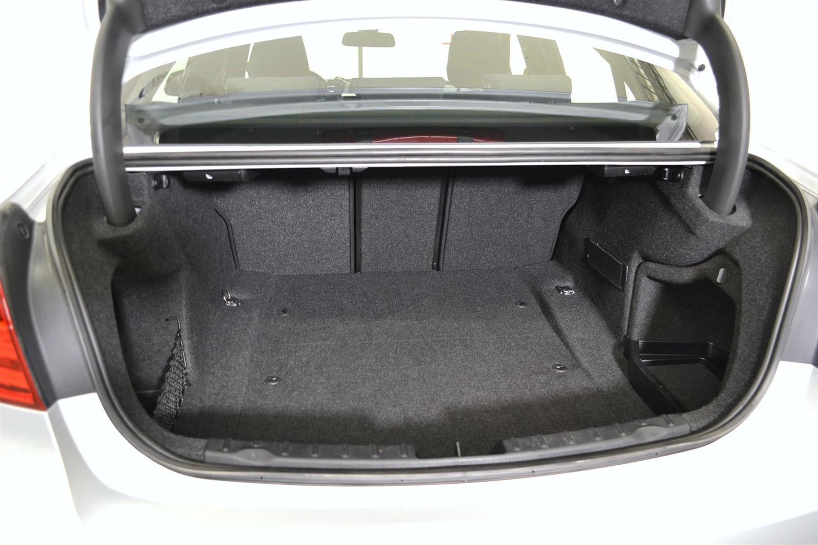 BMW 3-serie Slide 8