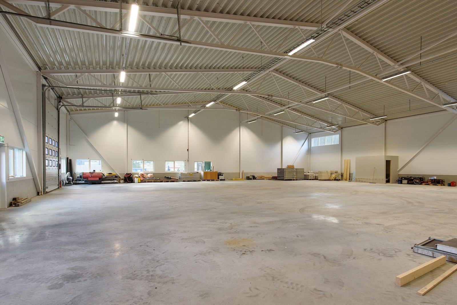 270 m2 av lagerhall er ledig for leietaker.