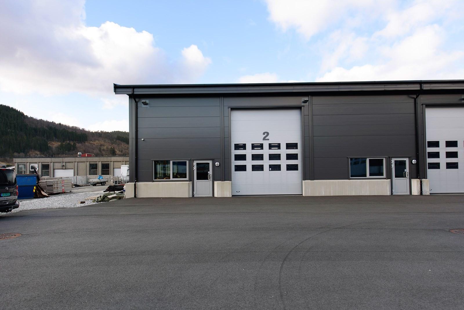 Del av lagerhall med tilhørende kjøreport 4x5 m.