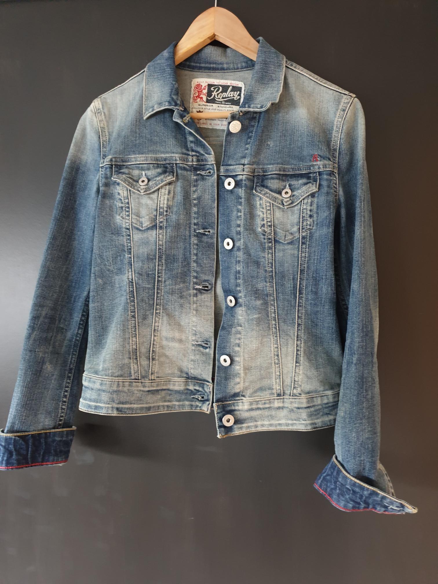LOIS jeans jakke Str. L (tilsvarer str. ML) | FINN.no