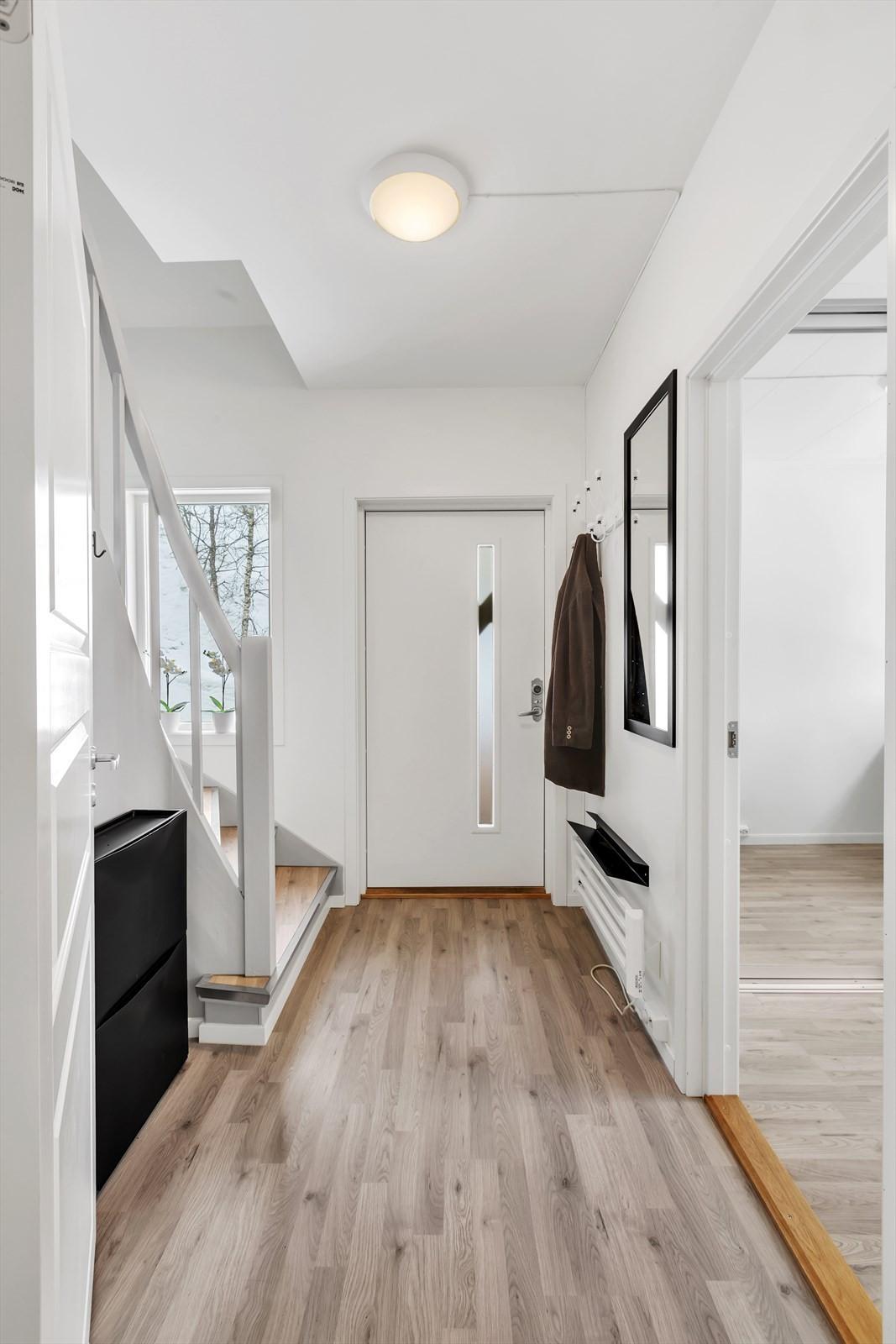 Inngang og trapp til loftet