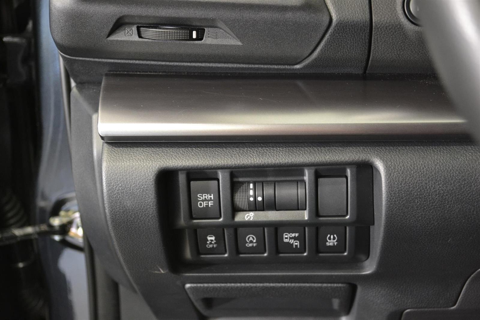 Subaru XV Slide 15