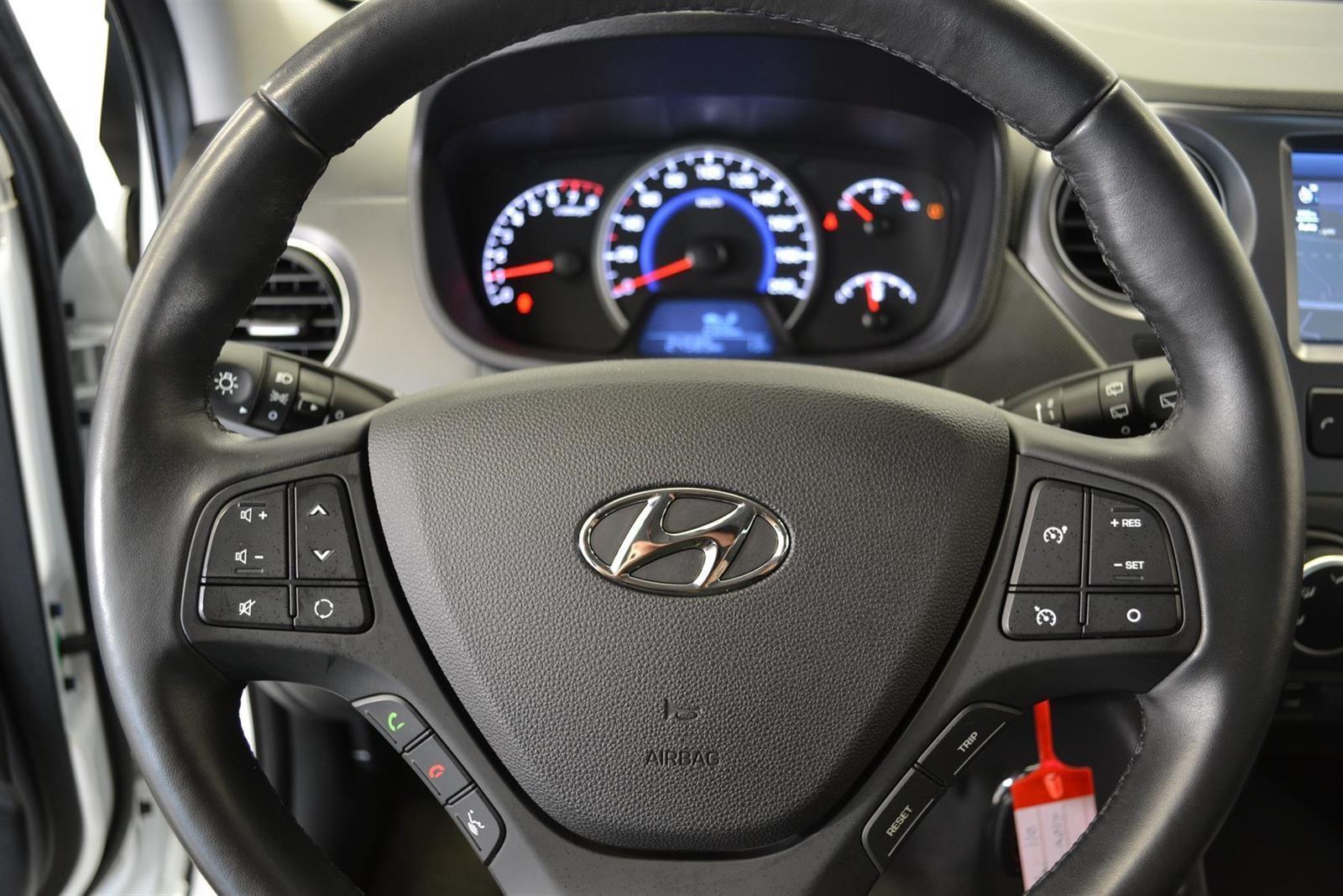 Hyundai i10 Slide 10