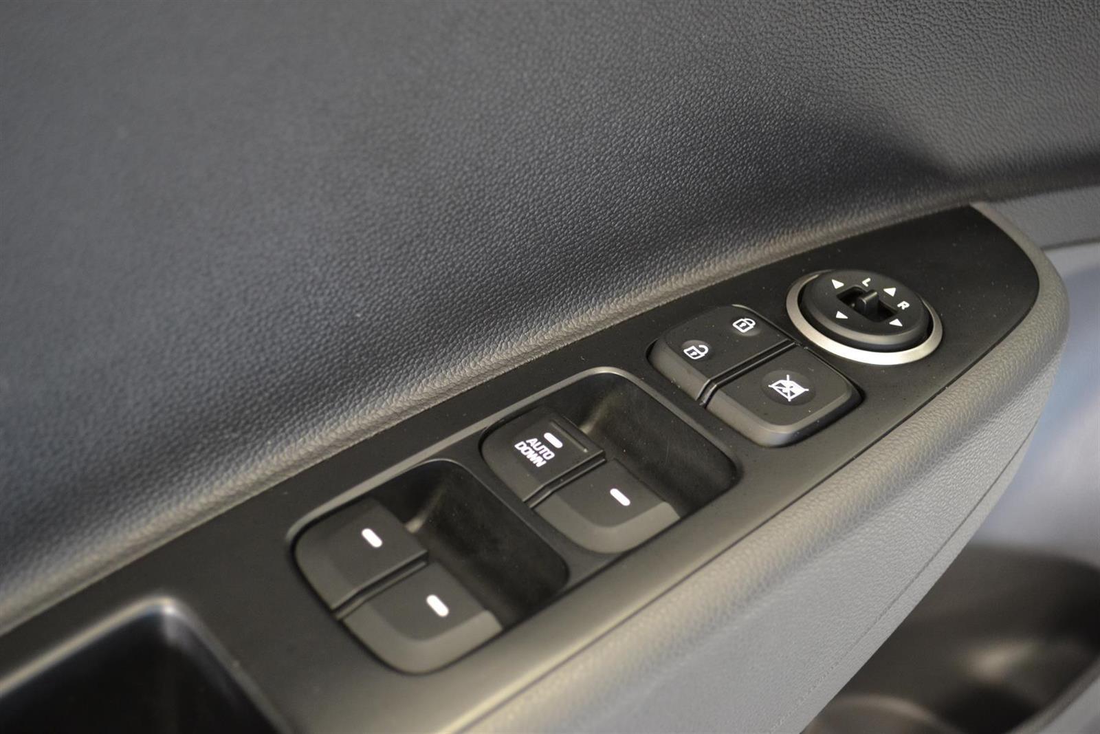 Hyundai i10 Slide 9