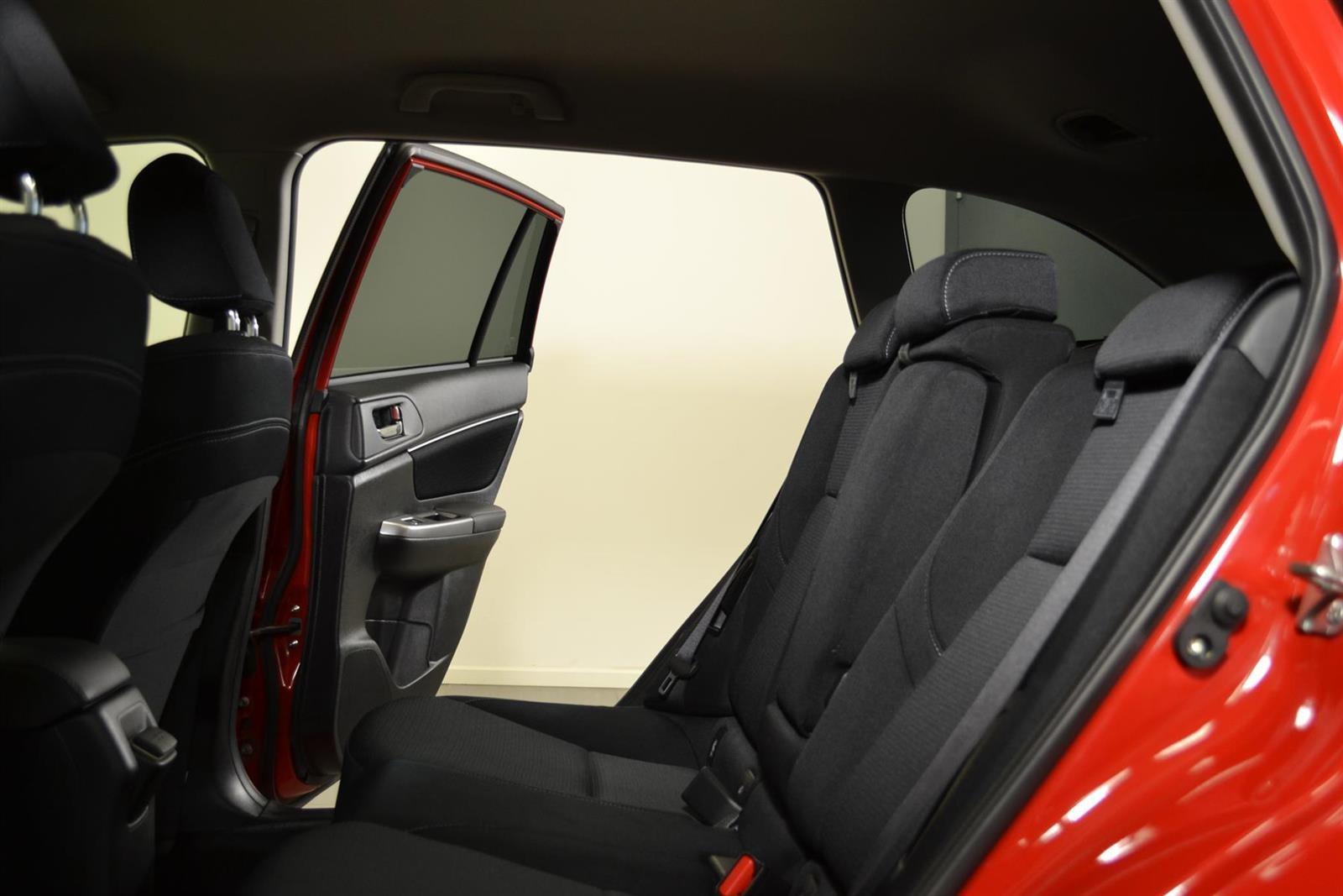 Subaru Levorg Slide 12