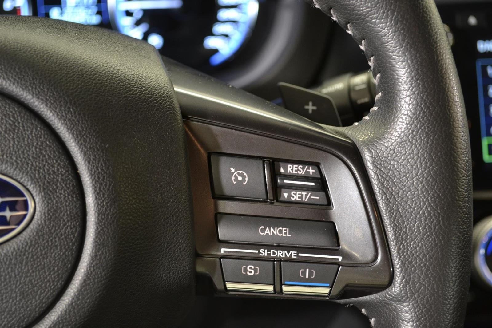 Subaru Levorg Slide 17