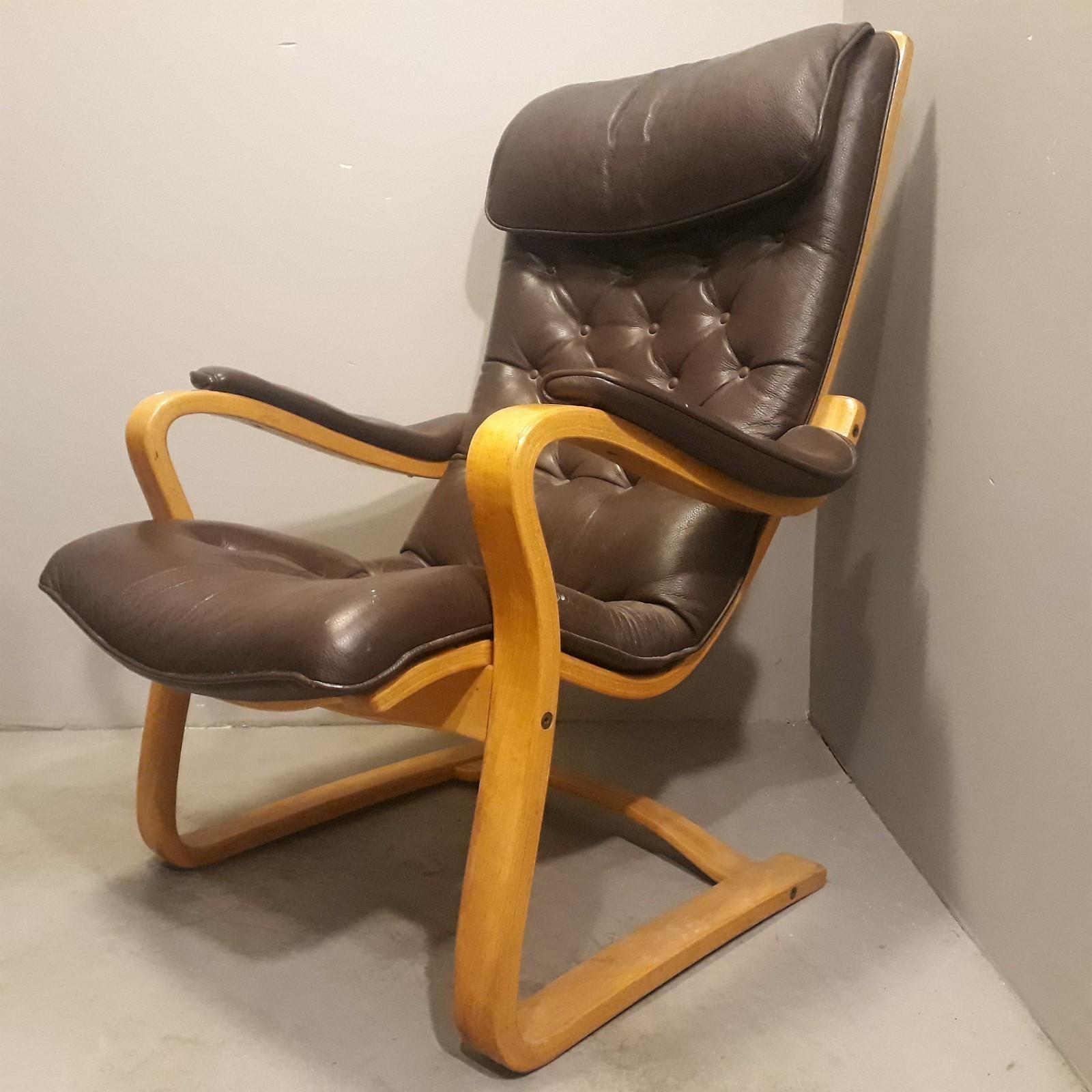 Flott relaxing stol i skinn.   FINN.no