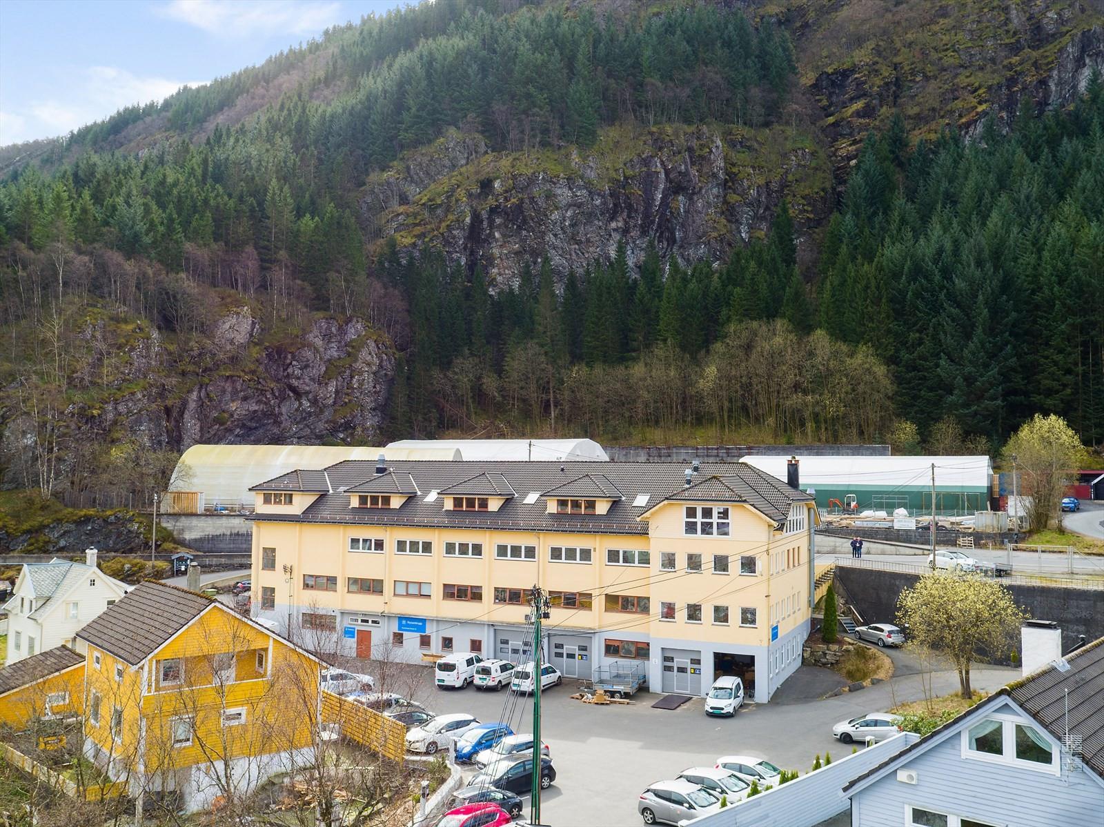 Oversiktsbilde av Jordalsveien 17. Ledige lokaler går over hele byggets loftsetasje.