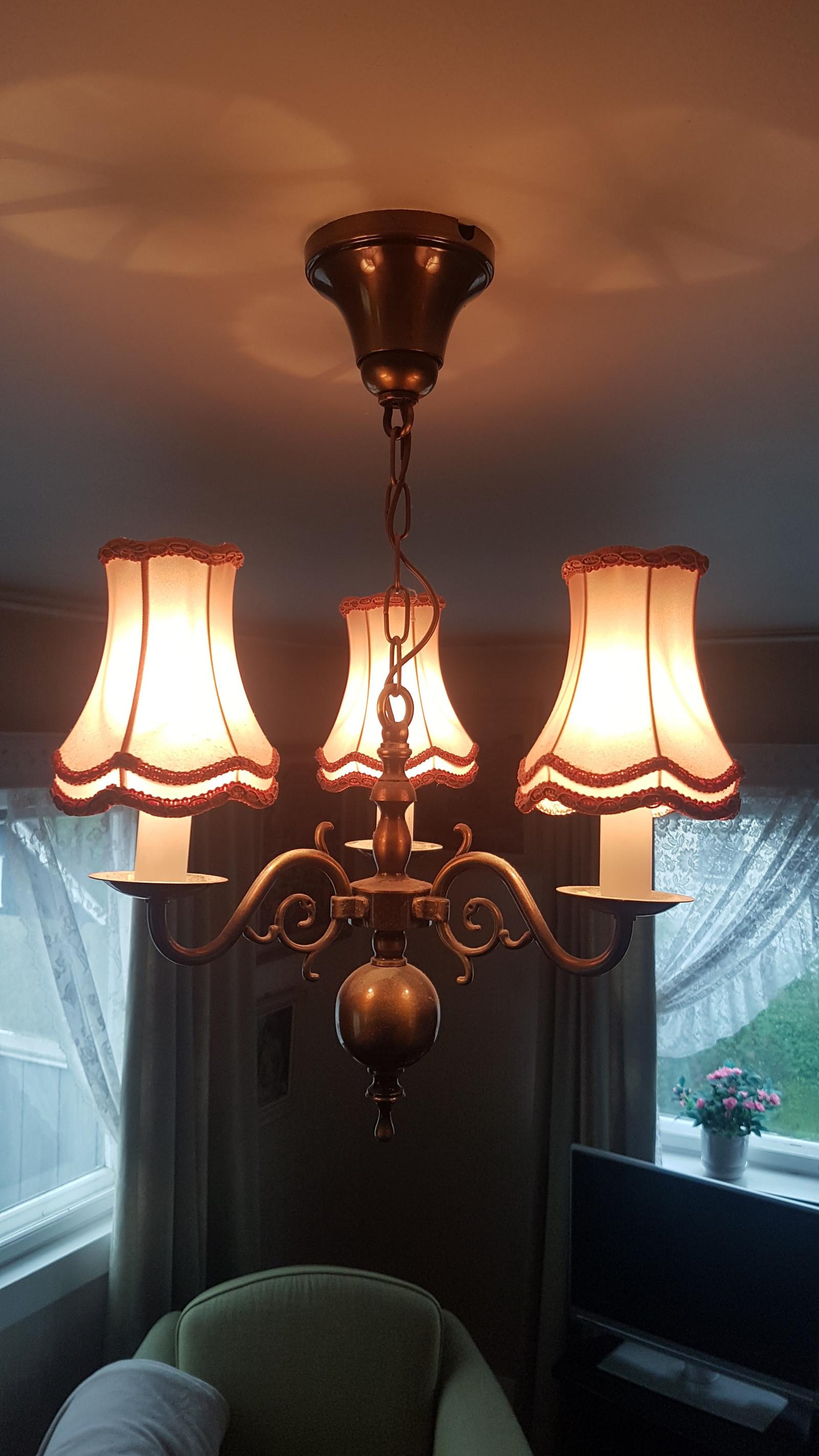 Oksydert messing tak lampe | FINN.no