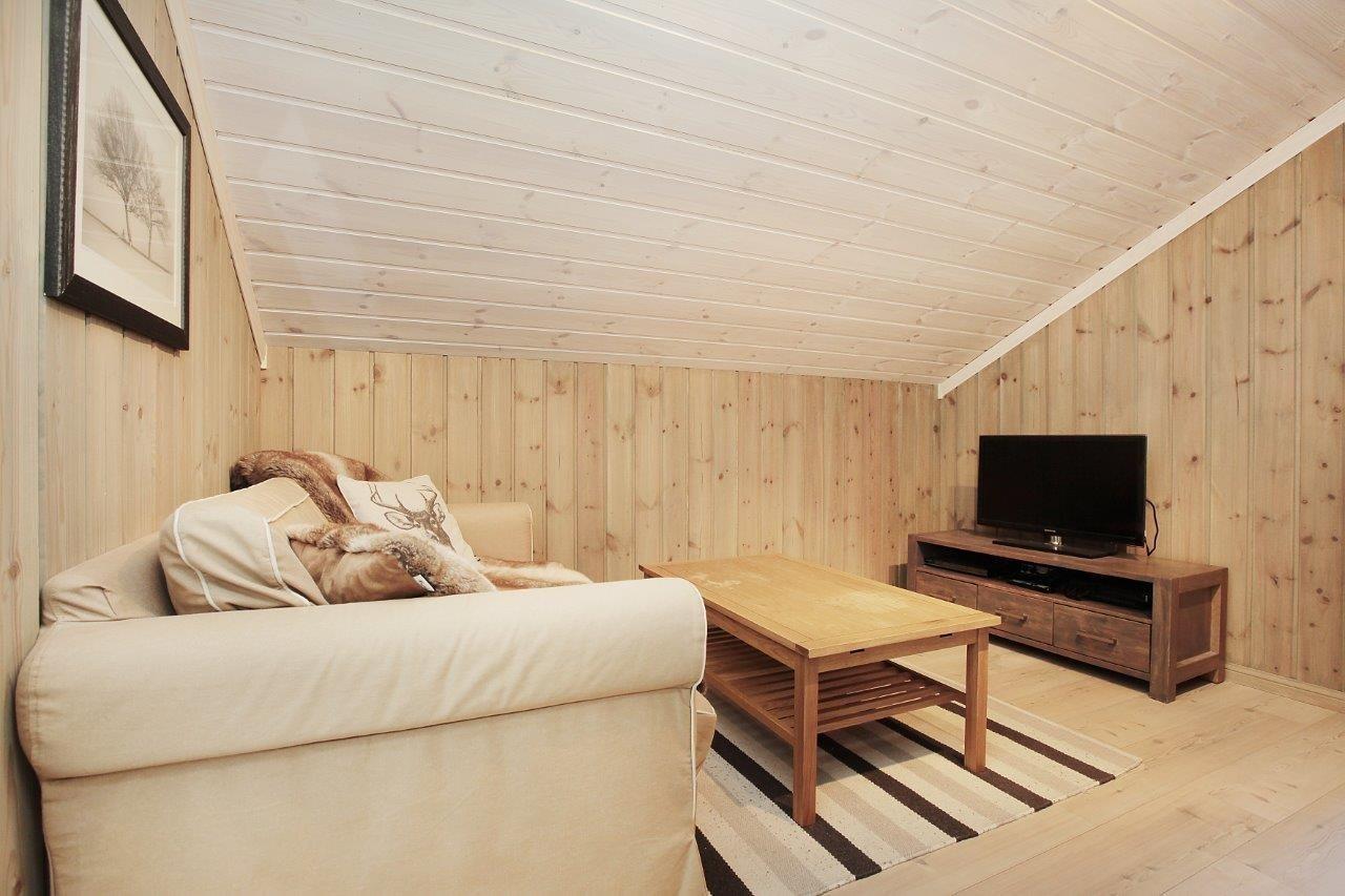 Lirypa en en hytte med tradisjonell stil, og den er innholdsrik, og passe stor for en stor familie! Kundetilpasninger forekommer ofte.